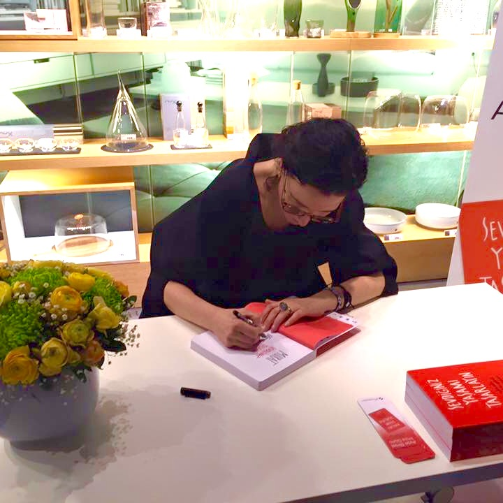 Signing books at Tesvikiye Store in Istanbul turned into a unique pleasure and a tea party with friends, family and book lovers!